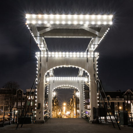 Magere brug by night.