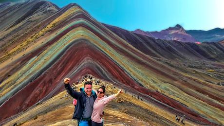 De regenboog bergen in Peru