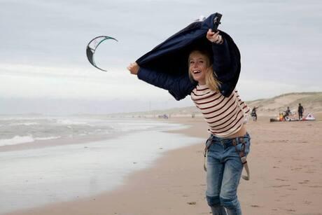 Kite surfen in de storm