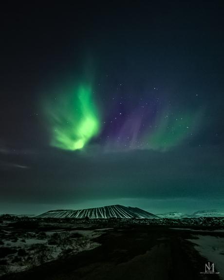Noorderlicht boven Hverfjall vulkaan IJsland