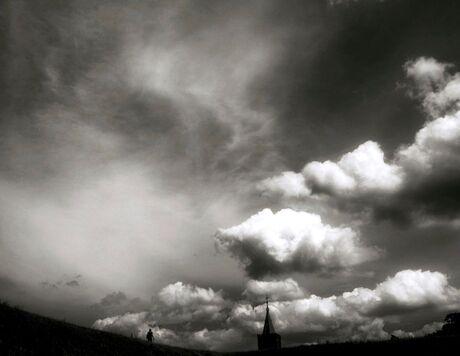 konden wij maar met de wolken mee of met de wolven