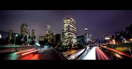 Los Angeles Panoramic - Een panoramafoto van Los Angeles Downtown. De foto bestaat uit 5 long exposure foto's, handmatig samengevoegd. - foto door elusive op 11-02-2011 - deze foto bevat: panorama, reizen, usa, urban, steden, californie, california, lange sluitertijd, Los Angeles, long exposure, verenigde staten, nacht fotografie, jorinde van ringen, jinna van ringen