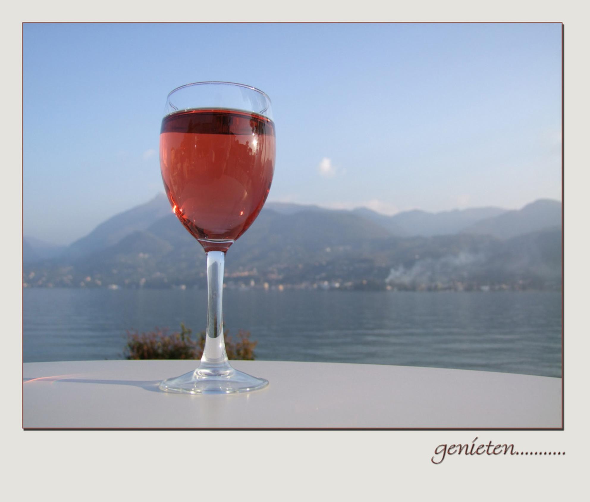 nog een fijne paasvakantie - Dat wensen wij alle zoomers - foto door Marieke45 op 09-04-2010 - deze foto bevat: zon, zee, lente, vakantie, meer, wijn, genieten, paasvakantie