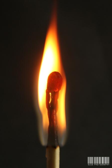 In vuur en vlam - - - foto door susannekim op 17-07-2020 - deze foto bevat: vuur, lucifer, macrofotografie