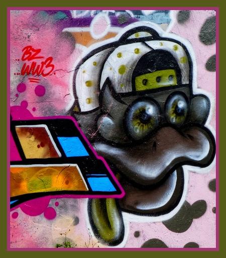 Zeg jij het maar. - ….. - foto door Gooiseroos op 17-07-2020 - deze foto bevat: kleur, licht, graffiti, plein, arnhem, kade, straatfotografie, centrum
