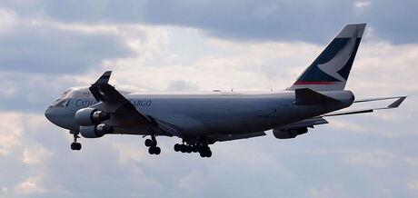 747 in ochtendlicht