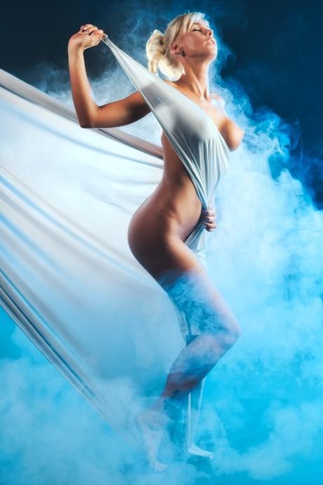 Smoking goddess