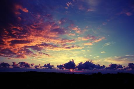 Bewolkte zonsopgang