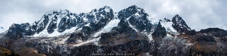 Panorama van het Andes gebergte in Peru.