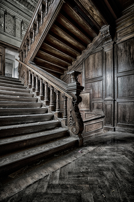 Beautiful stairs - Beautiful stairs - foto door kirstenscholten op 01-04-2018 - deze foto bevat: verlaten, hdr, urbex, urban exploring