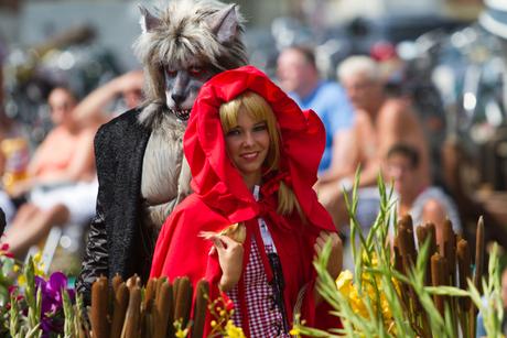 Rood kapje en de boze wolf