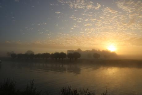 Sleeuwijk bij zonsopgang