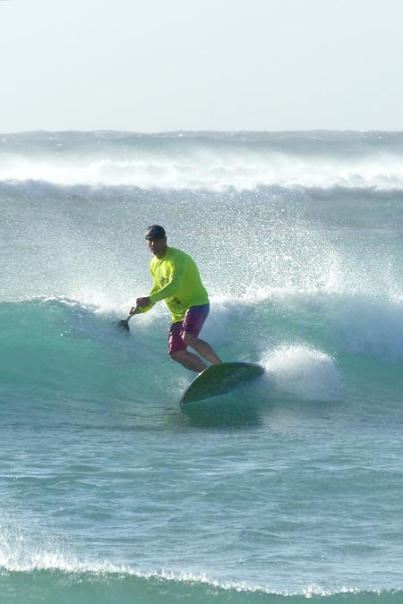 geen golf te hoog - plankvast - foto door Krea10 op 14-04-2021 - locatie: Aruba - deze foto bevat: water, sportuitrusting, surfen, lucht, surfplank, surfuitrusting, skimboarden, persoonlijke beschermingsmiddelen, vrije tijd, wind