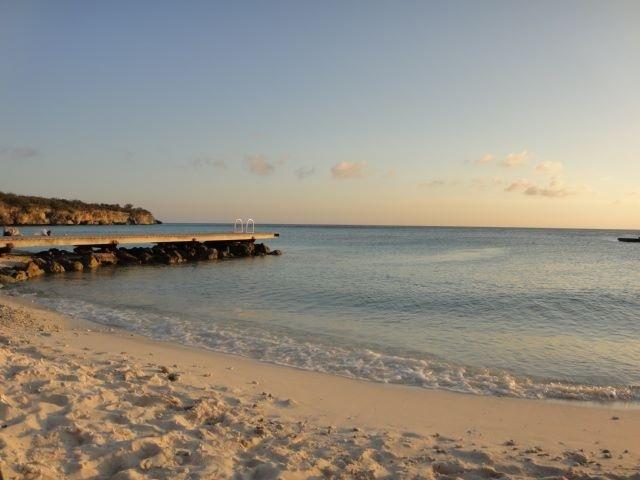 Curacao - - - foto door esscura op 11-01-2017 - deze foto bevat: lucht, wolken, zon, uitzicht, strand, water, zonsondergang, reizen, zomer, curacao, reisfotografie