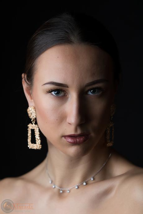 Lady with jewelry
