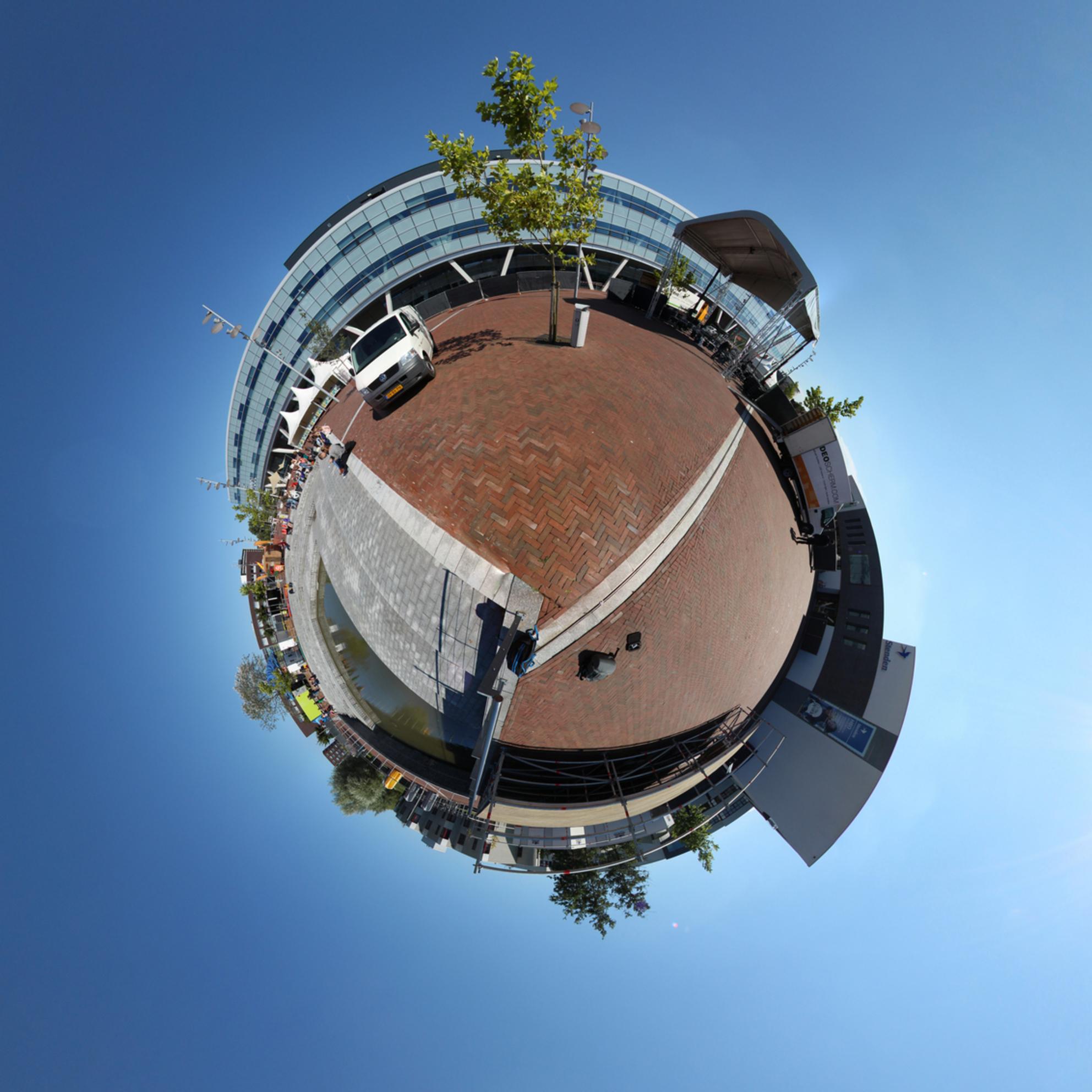 Little Planet NHL hoge school - - - foto door c3lx op 01-09-2014 - deze foto bevat: fisheye, 360, little planet, bolfoto