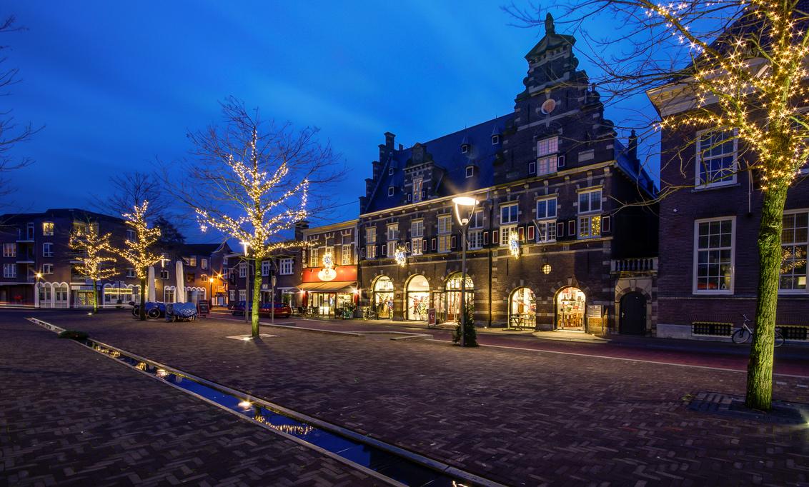 Almelo - Waagplein - Almelo - Waag - foto door mdwaard op 25-01-2018 - deze foto bevat: nachtfotografie, waag, almelo, avondfotografie, blauwe uur
