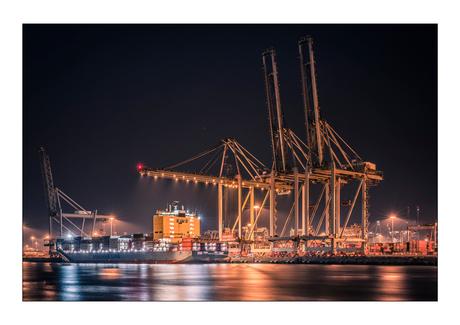 Container overslag 2e Maasvlakte