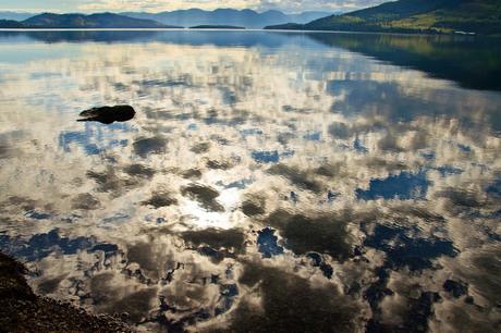 Water, wolken en (ondergaande) zon