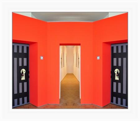 """Dick Bruna - ROTTERDAM - Kunsthal . . naast """"de donkere kant"""" van Dick Bruna was hier zijn werk in deze rood aangeklede hal  gepresenteerd. - foto door 1103 op 03-04-2018 - deze foto bevat: sfeer, creatief, bewerkingsuitdaging"""