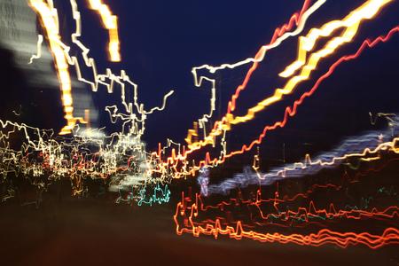 Fietsen - Lichten van een verkeerspunt terwijl ik de helling af naar beneden toe fietste. - foto door haikodejong op 05-08-2010 - deze foto bevat: licht