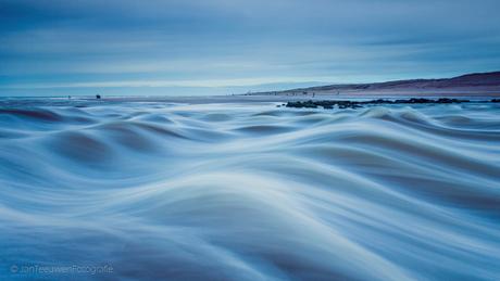Flow.~...~~.....