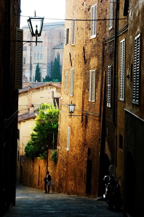 Prachtige steeg in Italië