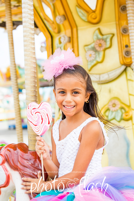 IMG_4651 copy - having fun at the fair - foto door marloes_zoom op 01-07-2018 - deze foto bevat: kleur, kermis, meisje, fun, girl, color