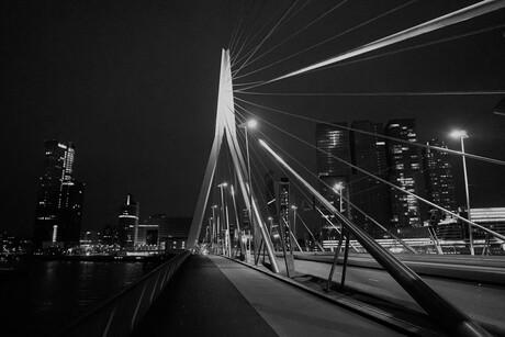 Erasmus brug by night