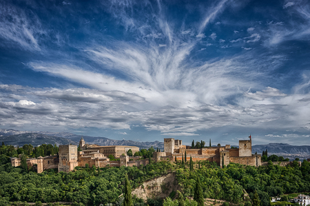 Andalusië 1 - Zicht op het Alhambra complex in Granada - foto door Jaap93 op 31-05-2014 - deze foto bevat: granada, alhambra, andalusie