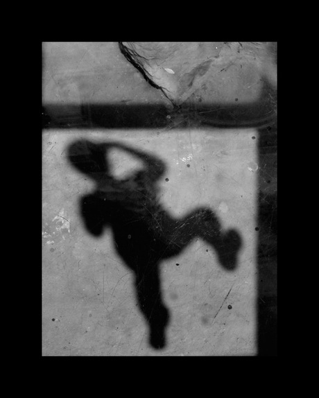 Shadows on the floor-zelfportret