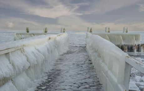 Afsluitdijk IJsselmeer in extreme