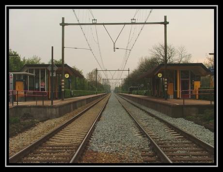 Station Rosmalen in de avond.