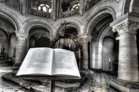 In de kapel