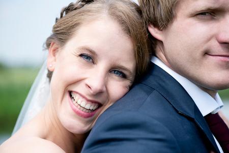 stralende bruid - Een stralende bruid. Iedere bruid zou een mooi portret moeten hebben op haar trouwdag! Dagmar straalde in ieder geval wel. - foto door mandyweerd op 08-08-2019