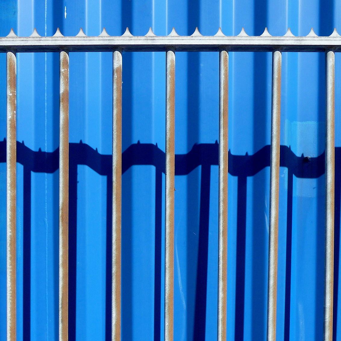 Gevangen - - - foto door aafkeve op 15-06-2009 - deze foto bevat: schaduw