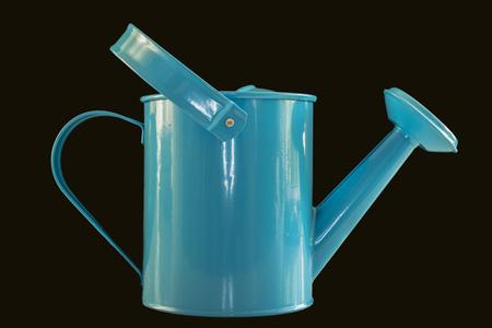 Gieter - Kindergieter. Klaar voor de lente.  - foto door WillemH52 op 10-04-2021 - deze foto bevat: gieter, kind, spelen, drinkwaren, azuur, lettertype, gas, cilinder, elektrisch blauw, plastic, evenement, logo, serveware