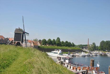 Aan het water bij Heusden