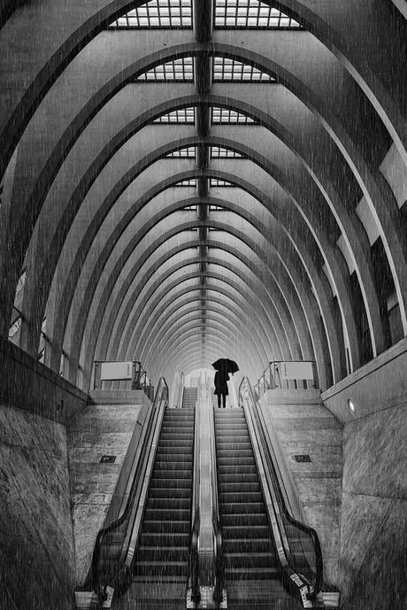 Pluie dans la gare