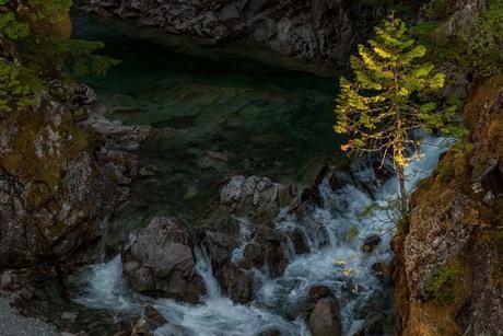 de laatste zonnestralen in de canyon