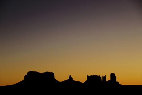 Zonsopkomst bij Monument Valley