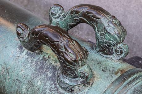 Detail kanon het Roode Paert in Enkhuizen