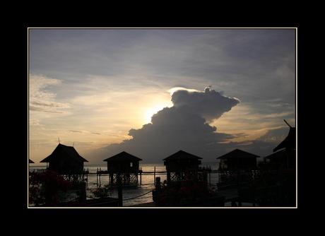 Onweerswolk boven Kapalai - Malaysia