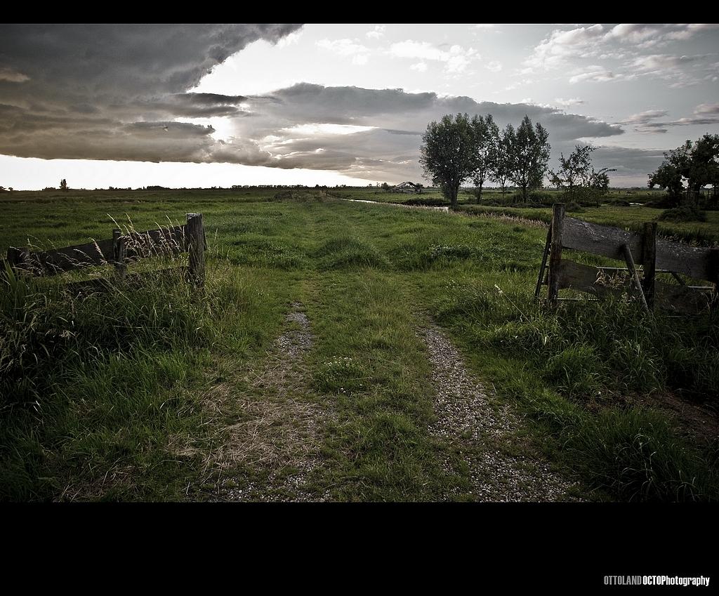 Ottoland - - - foto door Octo op 30-06-2009 - deze foto bevat: wolken, hek, zonsondergang, weiland, ottoland
