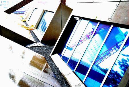 Reflecties - Foto gemaakt op het dak van las Palmas te Rotterdam tijdens de dag van de Architektuur op 25-06-2011 - foto door DRvdM op 29-06-2011 - deze foto bevat: rotterdam, nikon, Nikon D80, las palmas