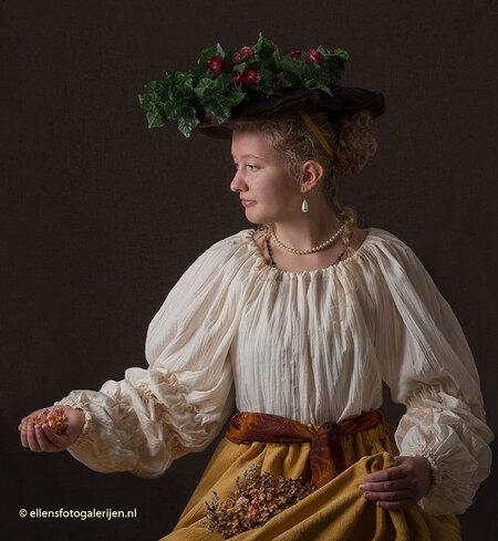 """Flora - Mijn zesde """"oude meester"""" is dit keer geïnspireerd op Flora, geschilderd door Rembrandt. De kleding maken was dit keer een grotere uitdaging, zonder  - foto door ellen-zeist op 11-11-2015 - deze foto bevat: vrouw, licht, portret, rembrandt, studio, oude meester"""