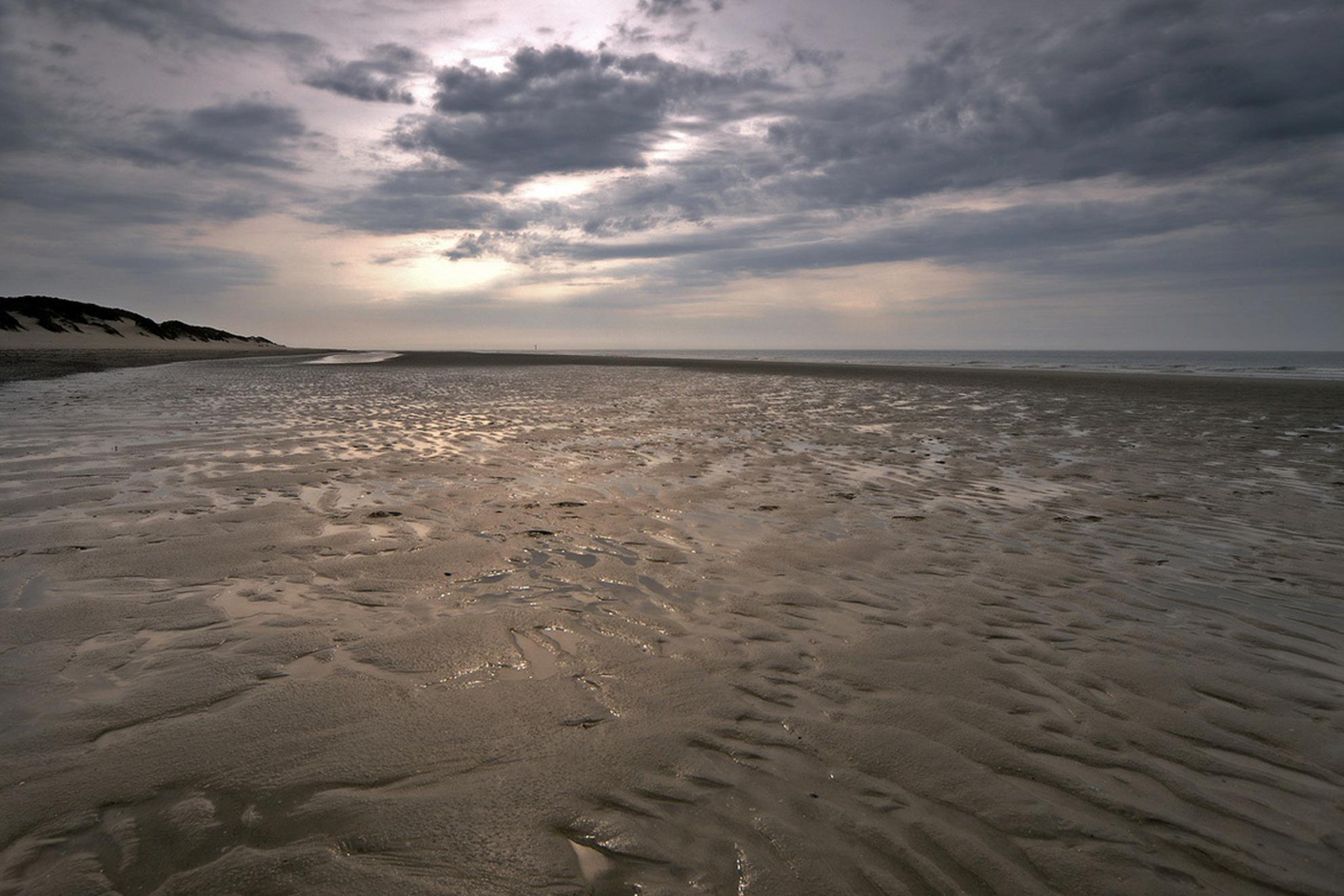 Haamstede - Als de dagen vol  schoonheid zijn  En ik geniet van de  …. - foto door ymkrit op 30-03-2014 - deze foto bevat: wolken, strand, water, avond, duinen, zand - Deze foto mag gebruikt worden in een Zoom.nl publicatie