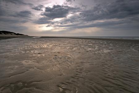 Haamstede - Als de dagen vol  schoonheid zijn  En ik geniet van de  …. - foto door ymkrit op 30-03-2014 - deze foto bevat: wolken, strand, water, avond, duinen, zand