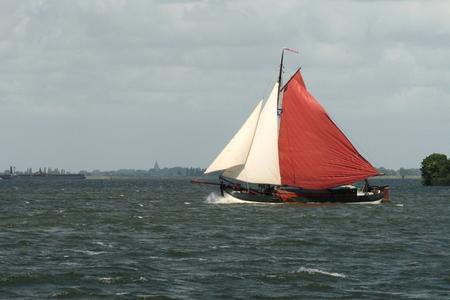zeilen nabij Pampus - Zeilboot op IJmeer nabij Pampus - foto door jabafoto op 08-01-2014 - deze foto bevat: zeilen, ijmeer