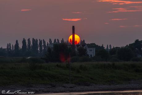 zonsondergang IJsselstroom